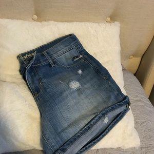 Size 6. Brand new old navy denim shorts